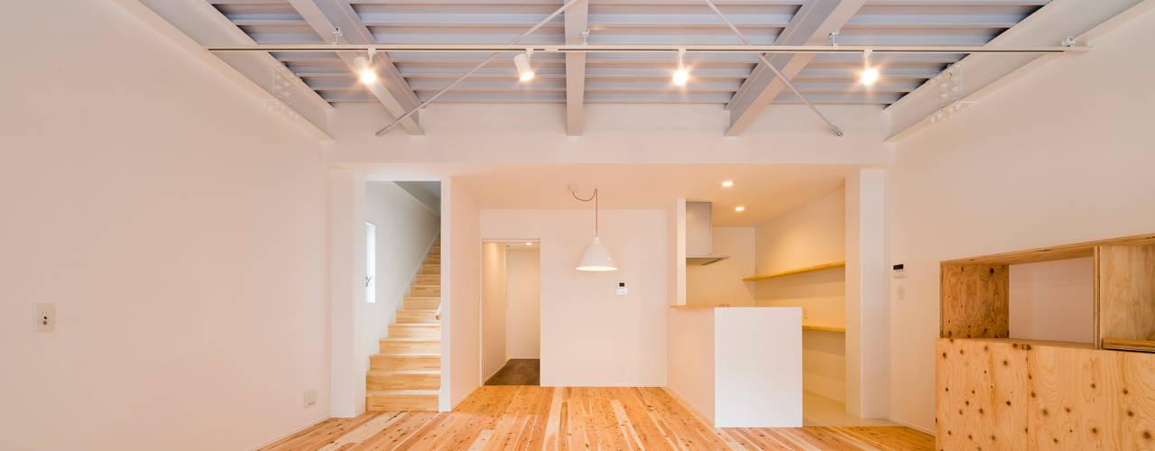 """リノベ """"Zetton"""": キリコ設計事務所が手掛けたテラス・ベランダです。"""