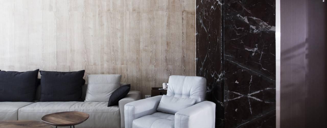 中區 複層住宅 现代客厅設計點子、靈感 & 圖片 根據 馬汀空間設計 現代風