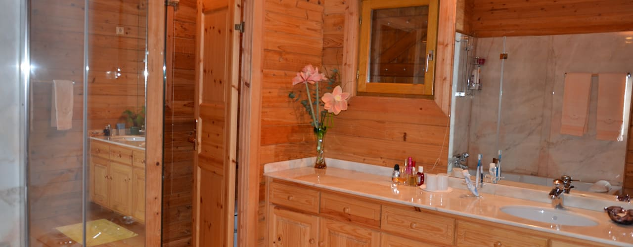RUSTICASA | Casa da Caniçada | Terras de Bouro: Casas de banho  por Rusticasa