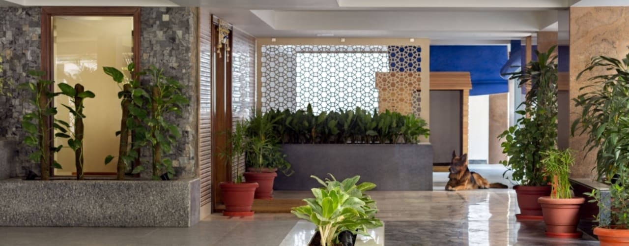 Gujral Residence:  Bungalows by groupDCA