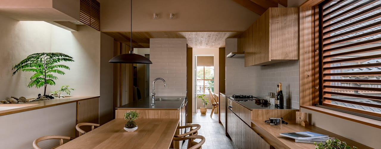 Dining room by HEARTH ARCHITECTS/ハース建築設計事務所