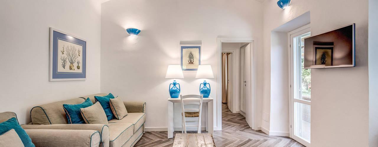 Phòng khách by Studio Guerra Sas
