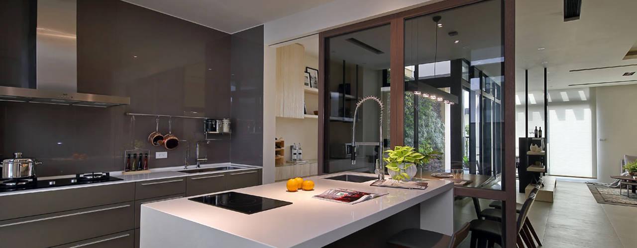 隨意隨心,恰如其分的空間 楊允幀空間設計 現代廚房設計點子、靈感&圖片