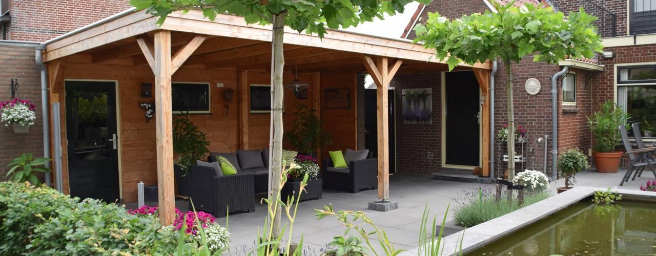Uitzicht op de vijver van Dutch Quality Gardens, Mocking Hoveniers
