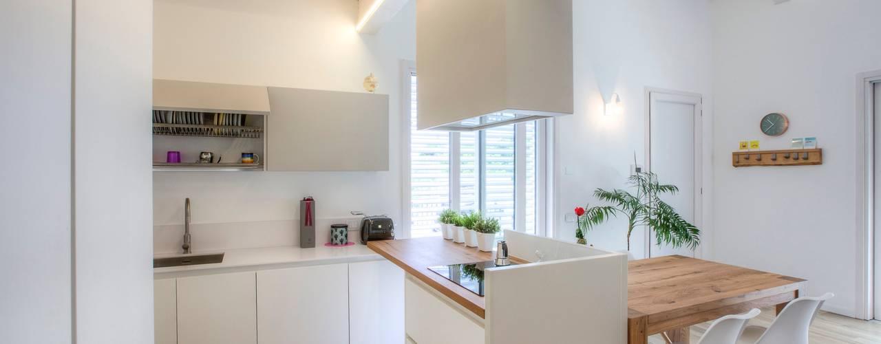 Progettolegno srl Modern kitchen Wood White