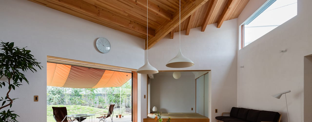 葉山一色の家 和風デザインの リビング の 内海聡建築設計事務所 和風