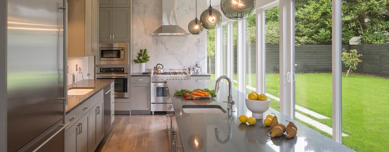 Nhà bếp by Rerucha Studio