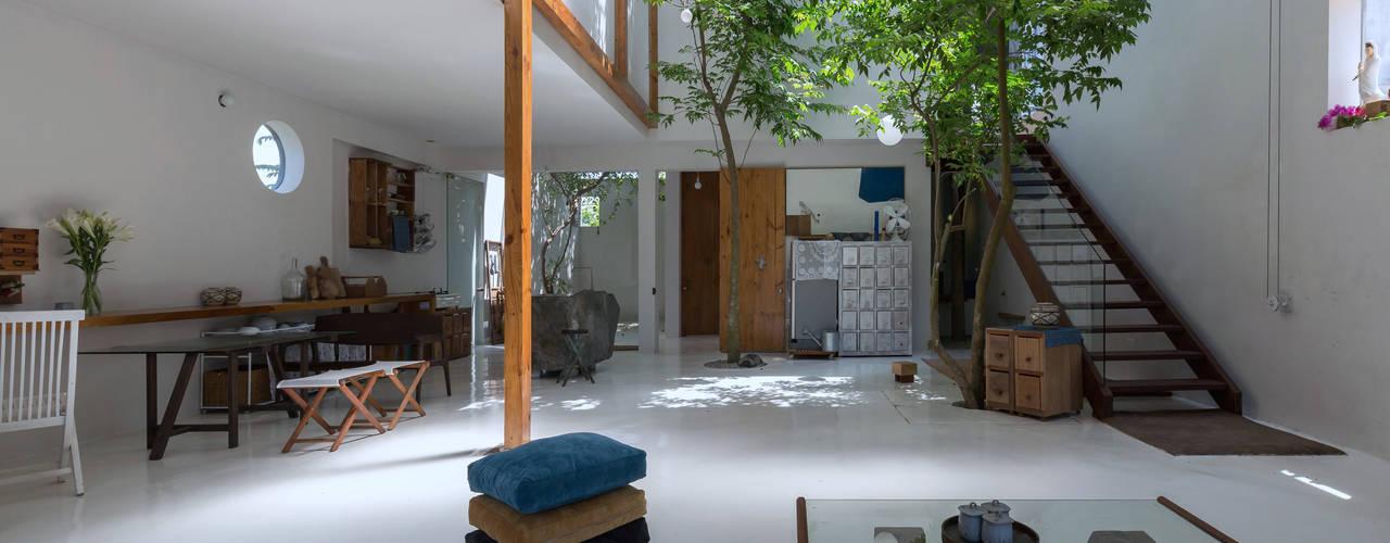 MA HOUSE Phòng khách phong cách tối giản bởi GERIRA ARCHITECTS Tối giản