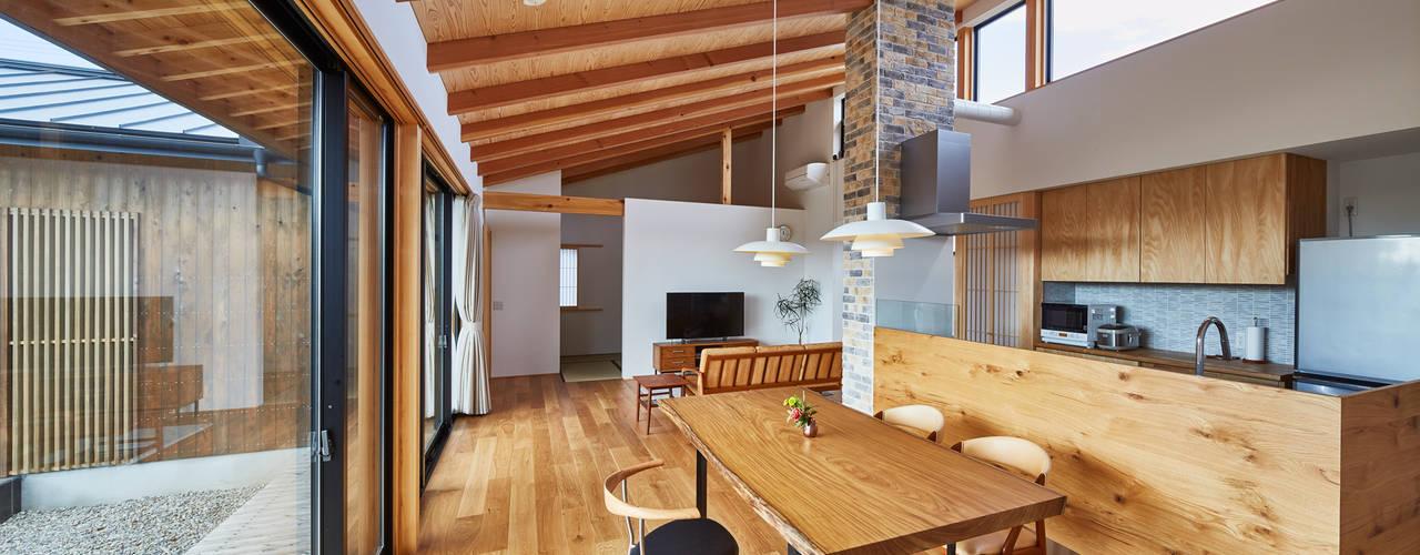 和モダンの家 オリジナルデザインの リビング の 梶浦博昭環境建築設計事務所 オリジナル