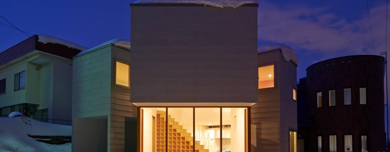 やじるしの家: アトリエモノゴト 一級建築士事務所が手掛けた家です。