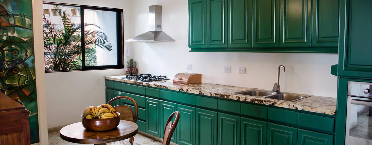 Apartamento Aristizabal - Alviar / Parte 1: Cocinas de estilo ecléctico por Tejero & Ángel Diseño de Interiores