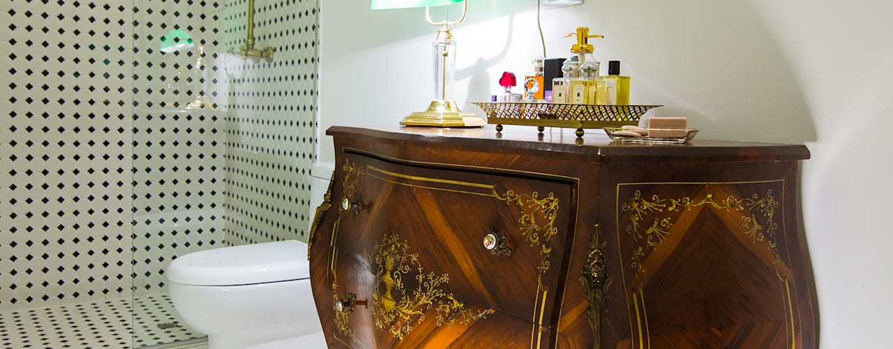Colonial style bathrooms by Munera y Molina Colonial
