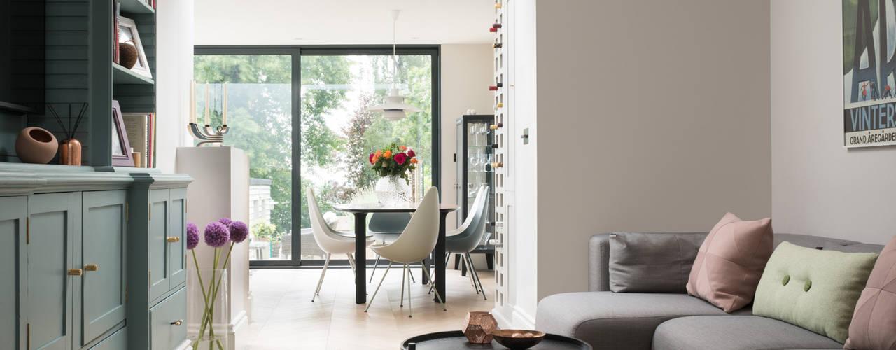 Livings de estilo  por SWM Interiors & Sourcing Ltd