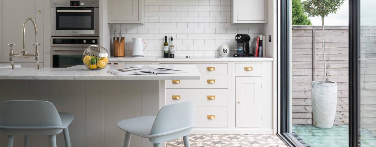 modern Kitchen by Maklin & Macrae