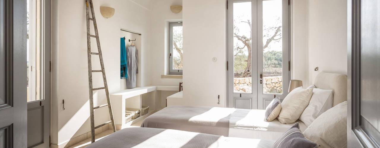 Mediterranean style bedroom by architetto stefano ghiretti Mediterranean