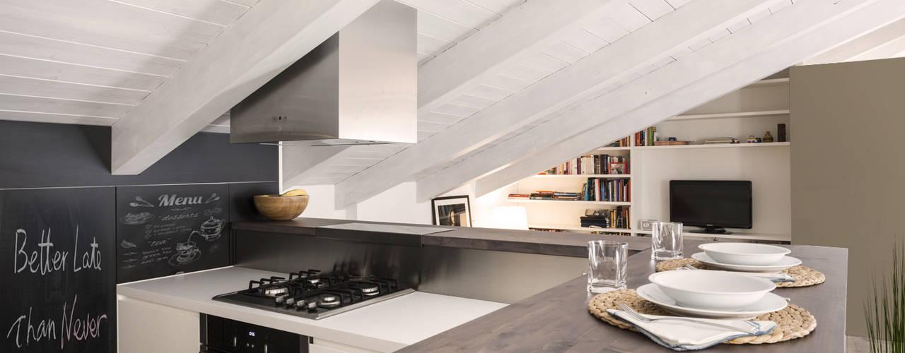Projekty,  Aneks kuchenny zaprojektowane przez Viú Architettura