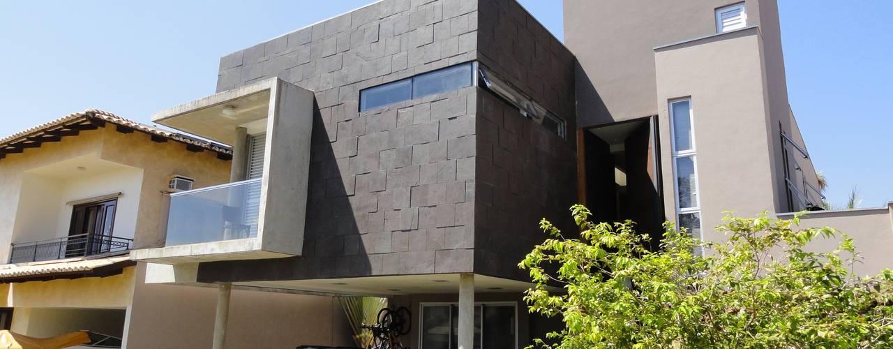 35 fachadas modernas para servir de inspira o for Casa moderna under 35