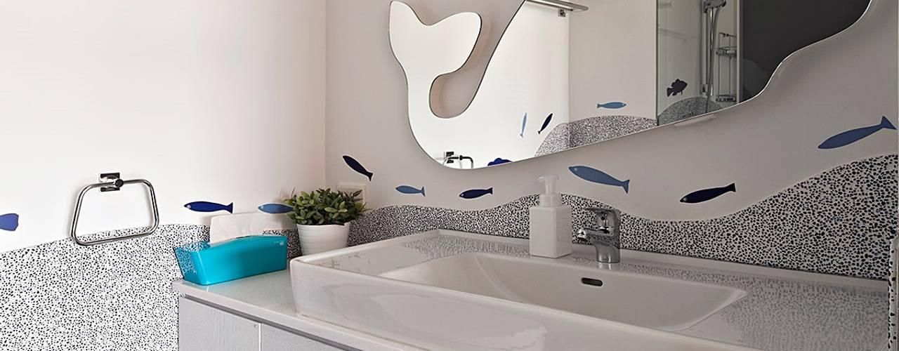 年輪 現代浴室設計點子、靈感&圖片 根據 禾光室內裝修設計 ─ Her Guang Design 現代風