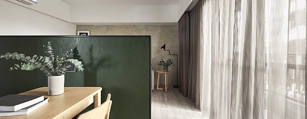 Koridor dan lorong by 禾光室內裝修設計 ─ Her Guang Design