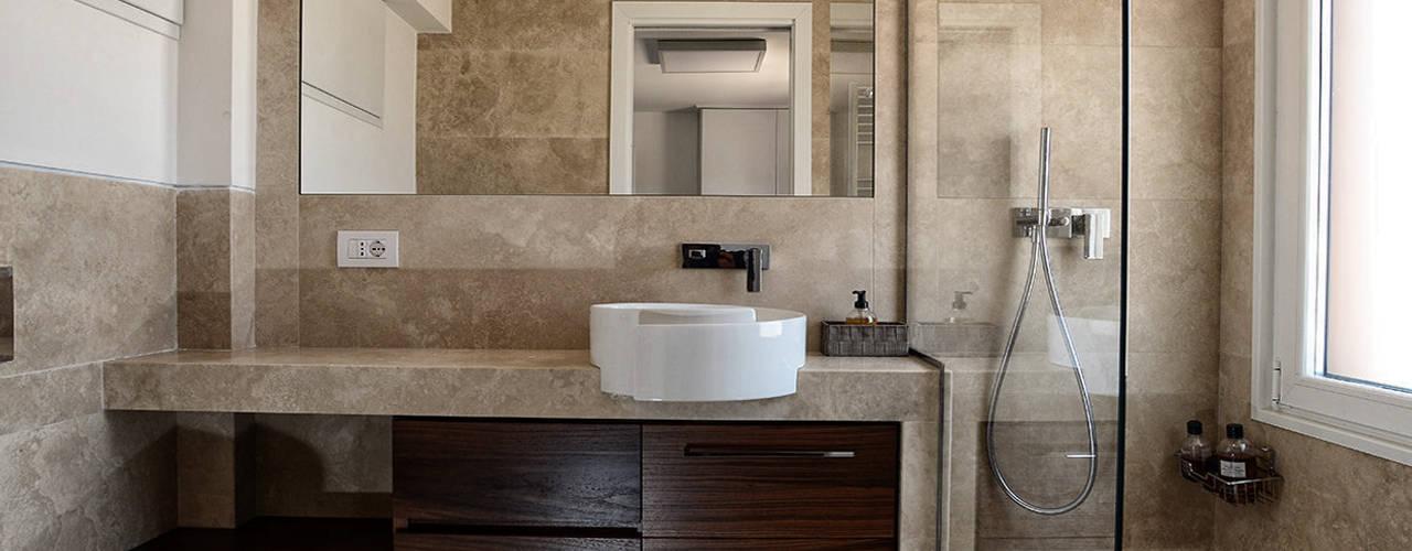 Minimalistyczna łazienka od architetto letizia masciotta Minimalistyczny