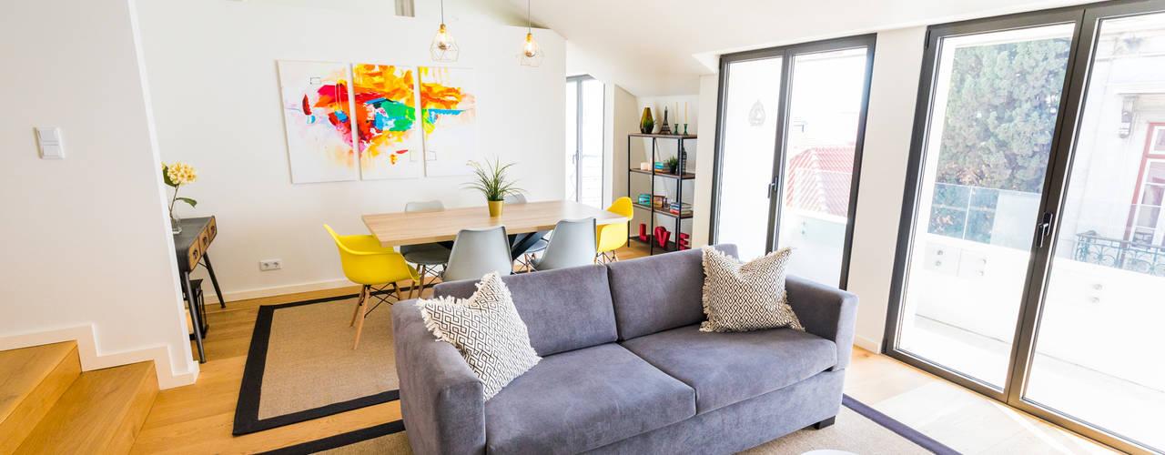 Bairro Alto - Apartamento T2: Salas de estar  por Sizz Design