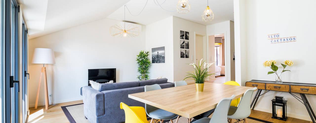 Bairro Alto - Apartamento T2 Salas de jantar escandinavas por Sizz Design Escandinavo
