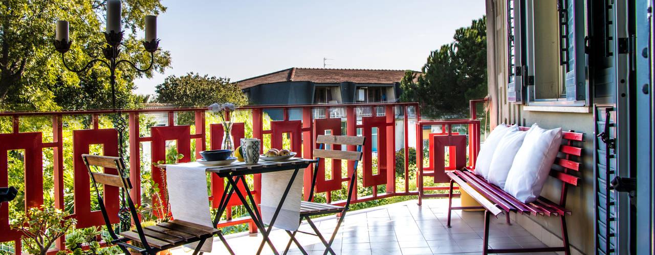 casa GC rosalba barrile architetto Balcone, Veranda & Terrazza in stile scandinavo Bianco