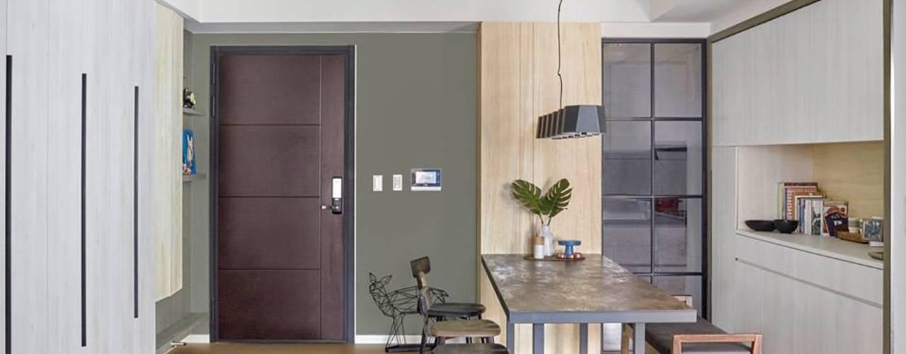 不同材質及配色的協調感:  門 by 禾廊室內設計