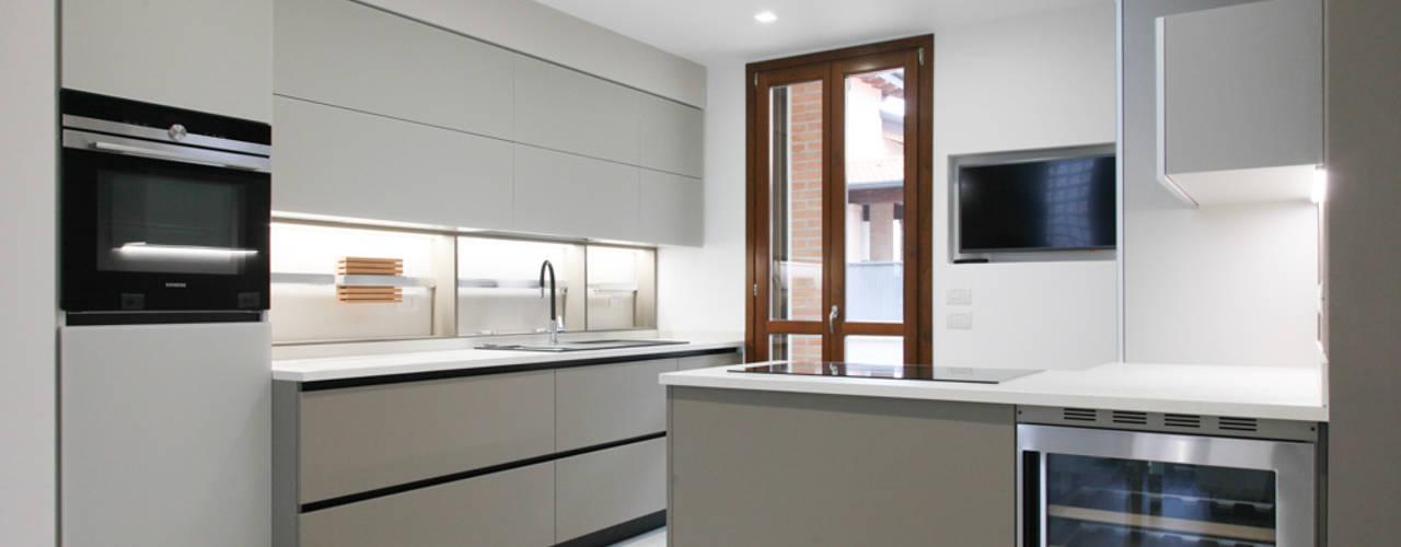 Cucina Moderna Bianca Con Top Grigio.Cucina Grigia Consigli Su Combinazioni Colori E Arredamento
