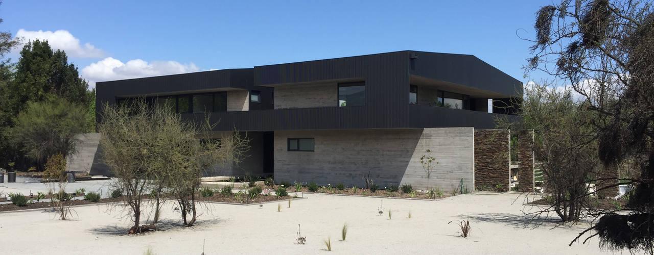 Casa DLP 2712 / asociados Casas unifamiliares Concreto