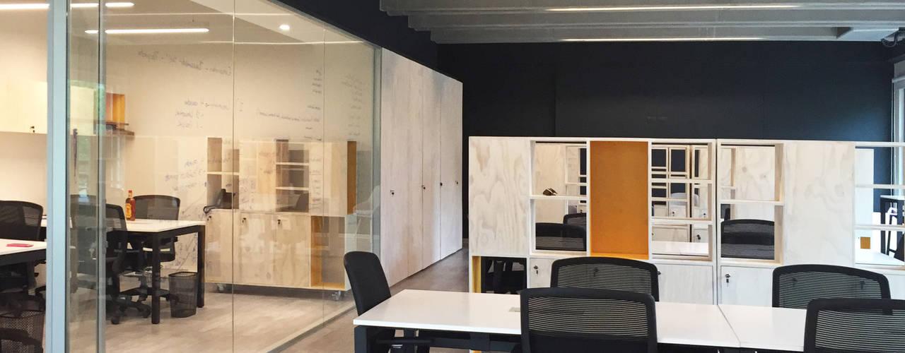 Oficinas Incowork 2712 / asociados Oficinas y Comercios Madera