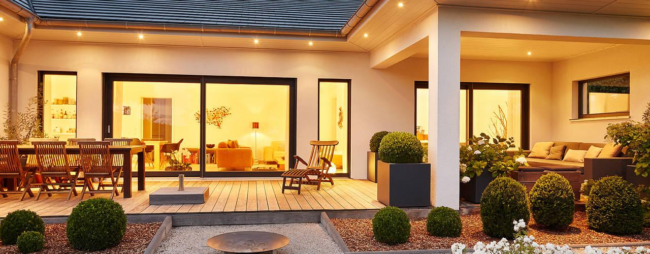Lopez-Fotodesign Balkon, Beranda & Teras Modern