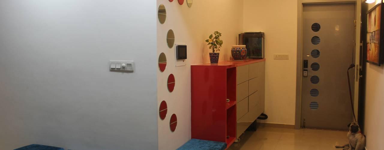 Amanora Park town Modern corridor, hallway & stairs by AreaPlanz Design Modern