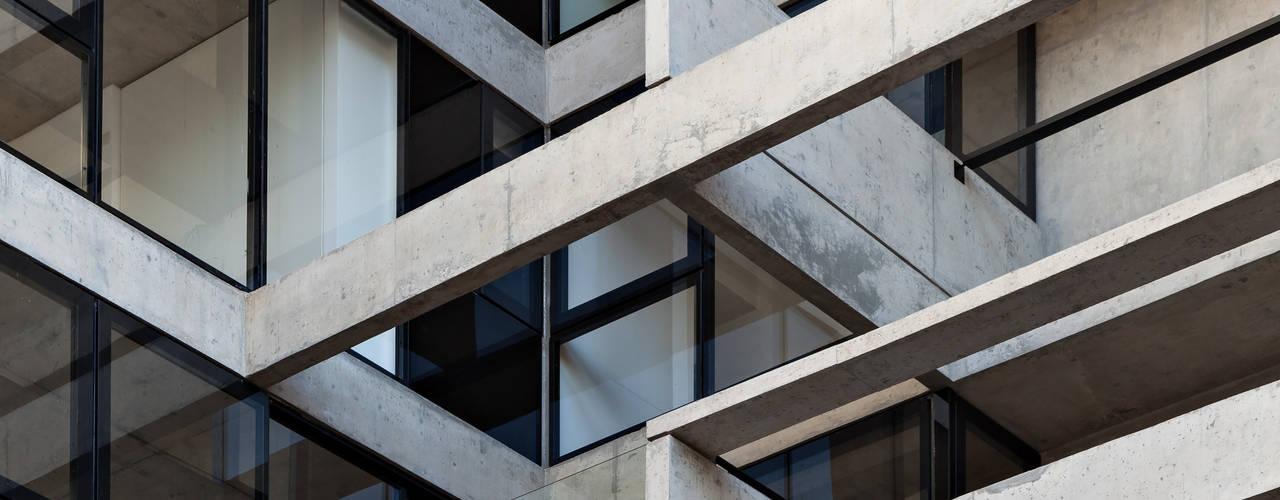 SENS Ravignani / Ravignani 2015-21: Casas de estilo moderno por ATV Arquitectos