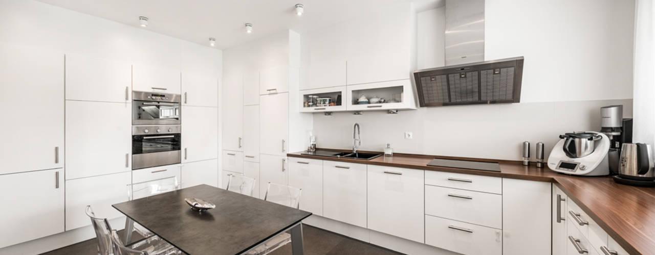 Moderne Stadtvilla mit mediterranem Flair von wir leben haus - Bauunternehmen in Bayern Modern
