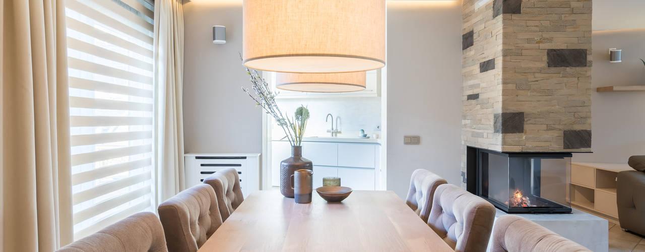 Salas de jantar modernas por Aangenaam Interieuradvies Moderno