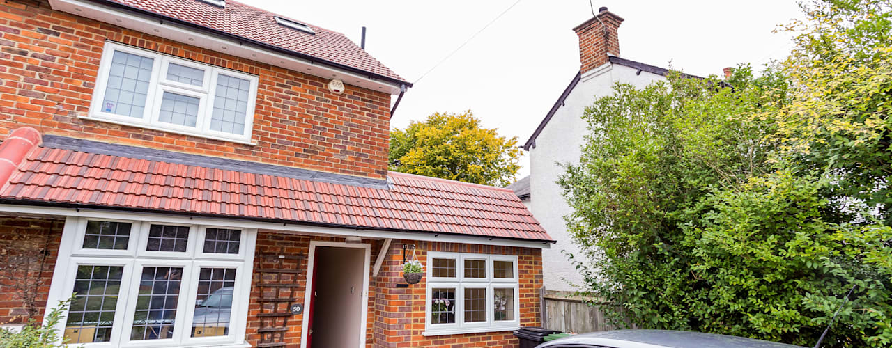 THE AMERSHAM LOFT AND GARAGE CONVERSION: modern Houses by The Market Design & Build