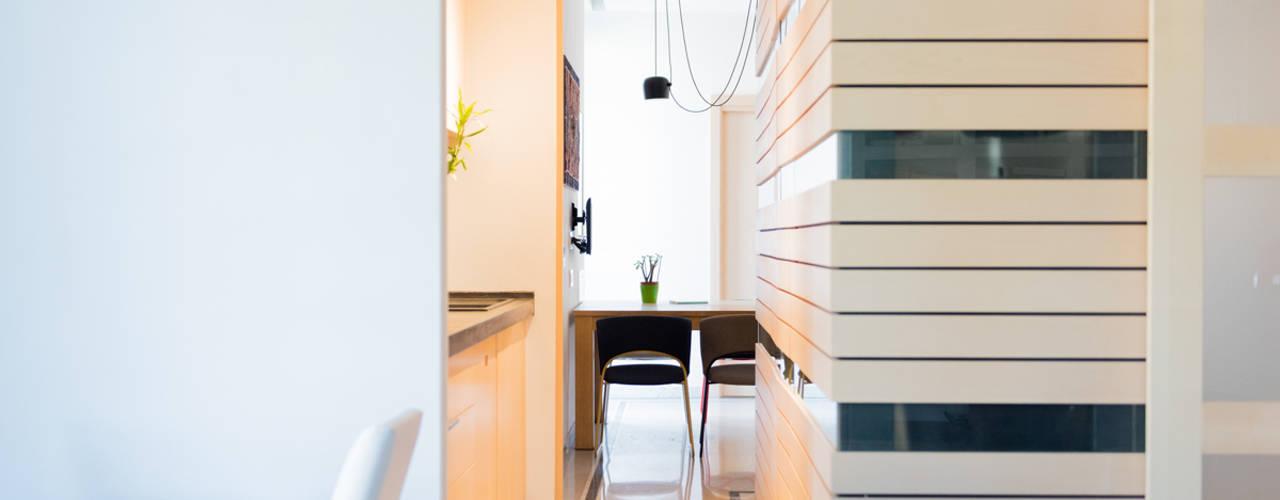HOUSE #ABC Soggiorno moderno di VITAE STUDIO - architettura Moderno