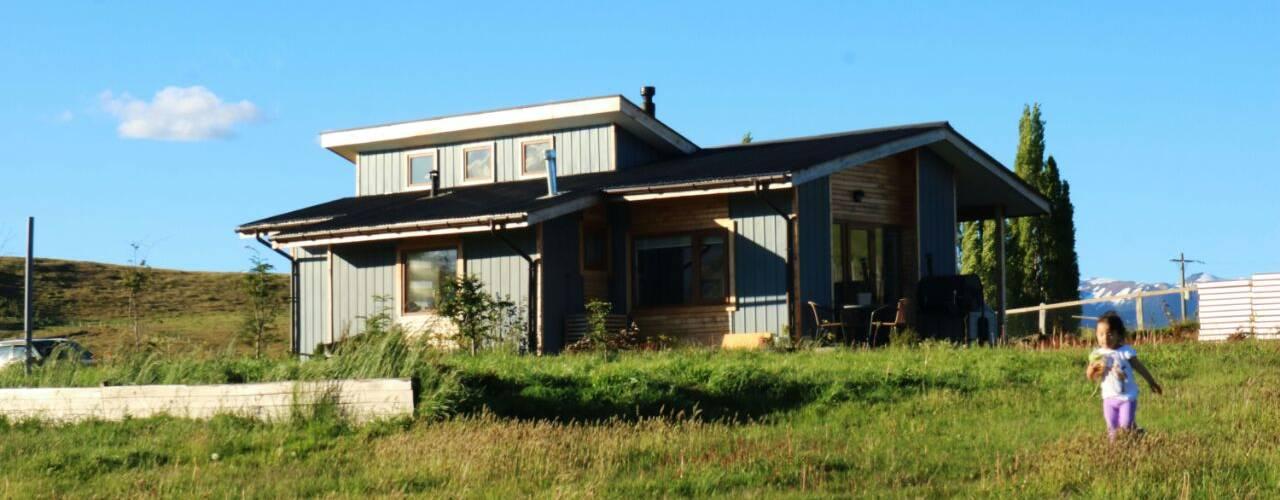 Diseño y Construcción de Casa Las Lomitas de Panguilemu en Coyhaique de casa rural - Arquitectos en Coyhaique Rural
