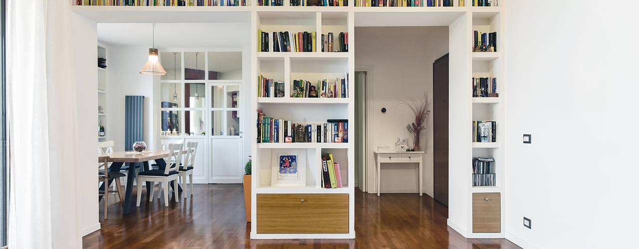 Appartamento EUR - Torrino (Roma) 02A Studio Soggiorno moderno Bianco