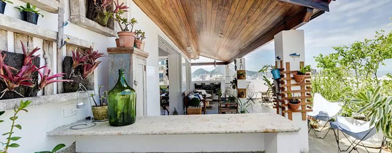現代房屋設計點子、靈感 & 圖片 根據 Maria Claudia Faro 現代風