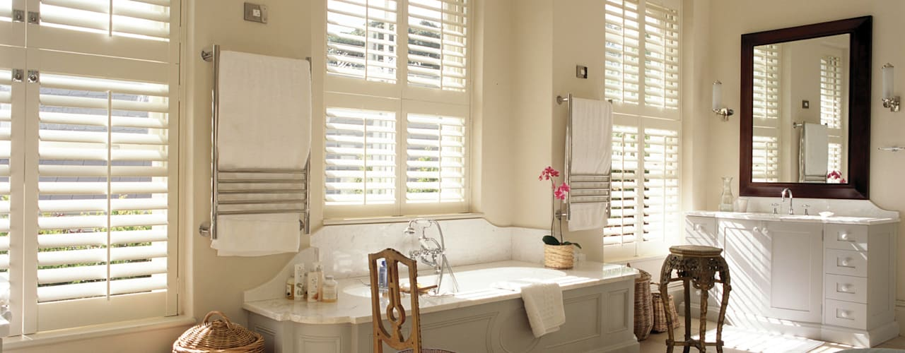 Bathroom Shutters: classic Bathroom by S:CRAFT