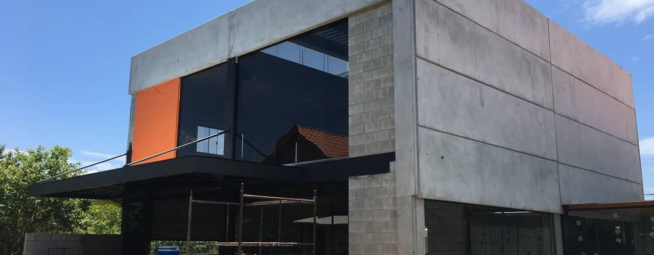 Сборные дома в . Автор – GhiorziTavares Arquitetura, Лофт