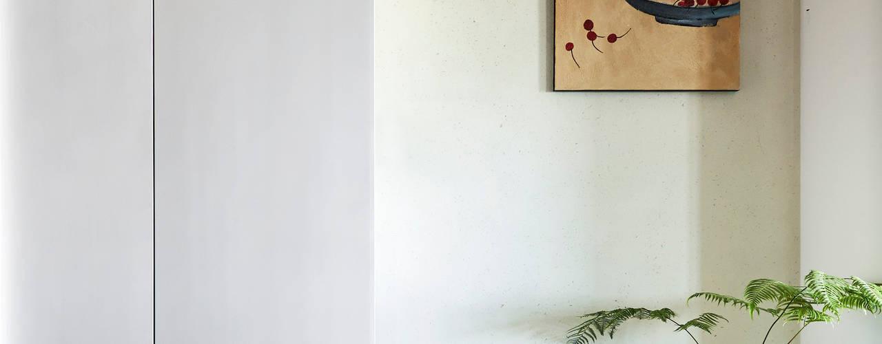 影.隱 現代風玄關、走廊與階梯 根據 樸十設計有限公司 SIMPURE Design 現代風