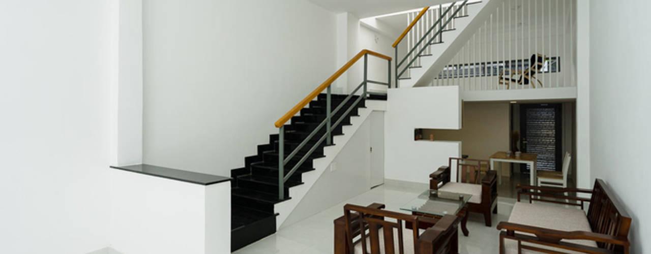 Salas de estilo  por Công ty TNHH Thiết Kế Xây Dựng Song Phát