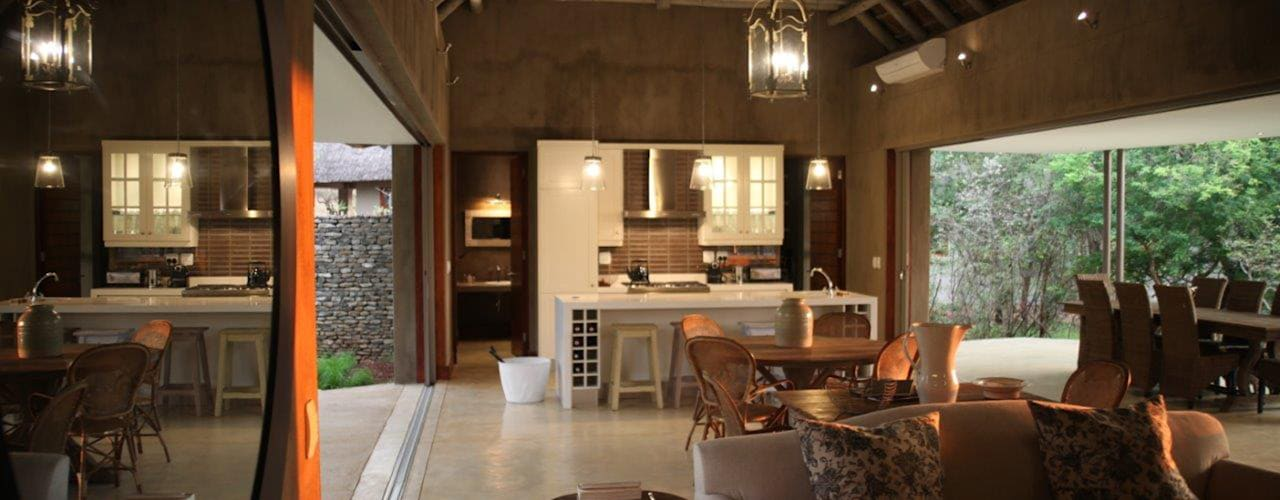 new lodge  |  leopard creek estate:  Living room by drew architects + interiors, Modern