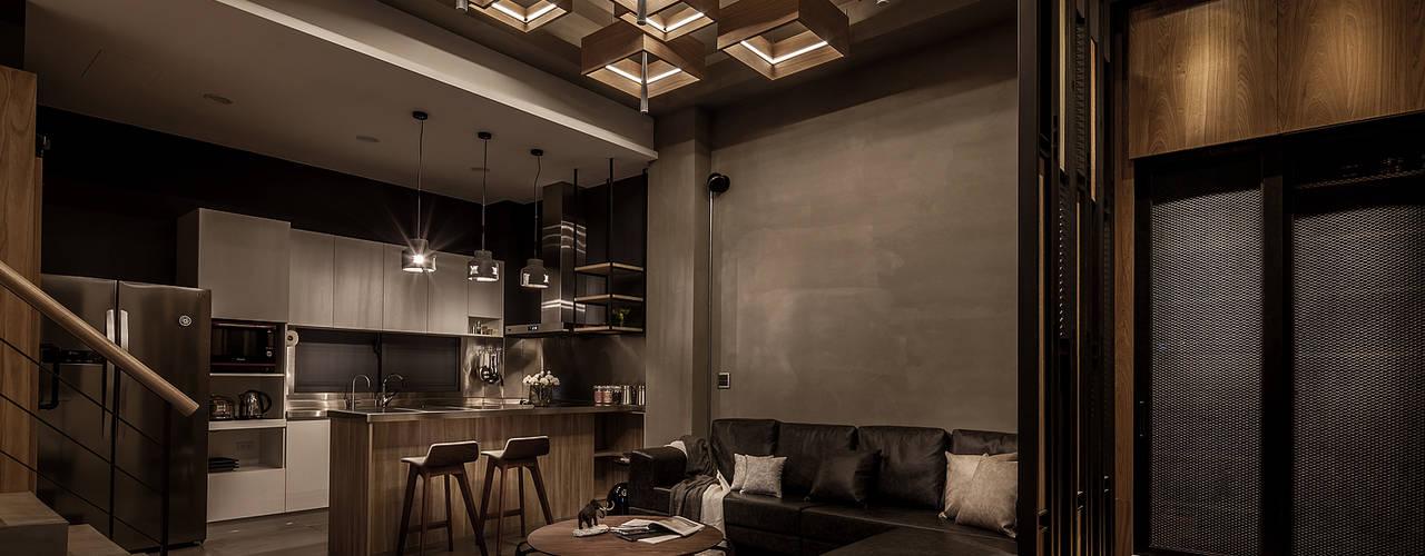 Salon de style  par 漢玥室內設計, Industriel