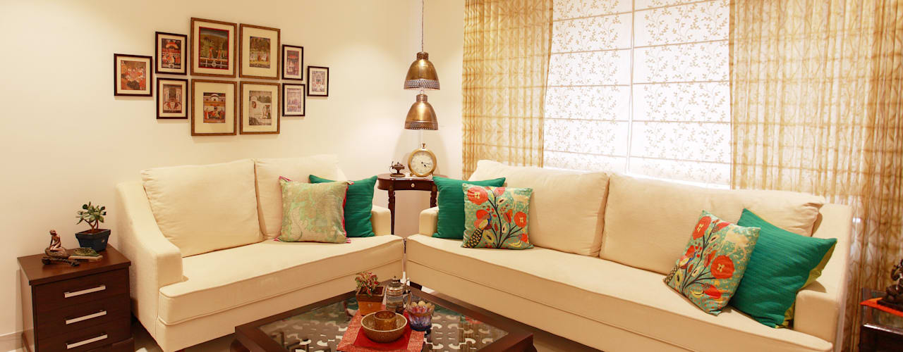 Lotus Apartment:  Living room by Saloni Narayankar Interiors