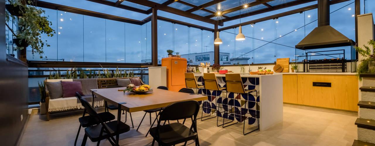 Macro Arquitetos Balkon, Beranda & Teras Modern