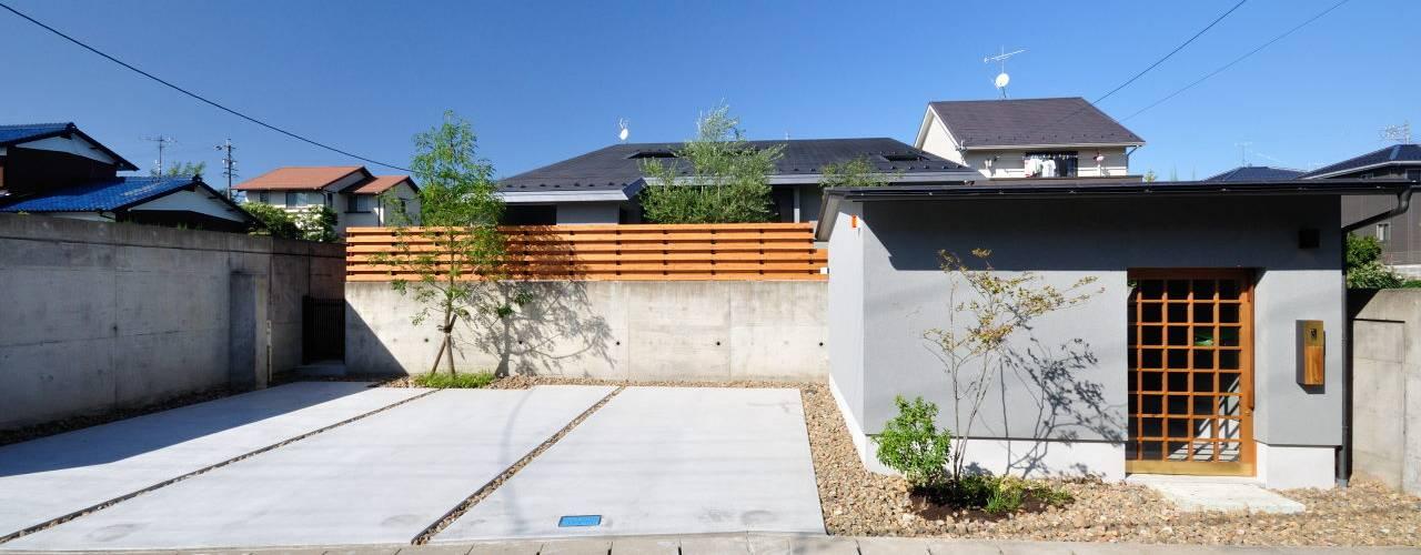 那加のいえ ツジデザイン一級建築士事務所 オリジナルな 家 コンクリート 灰色
